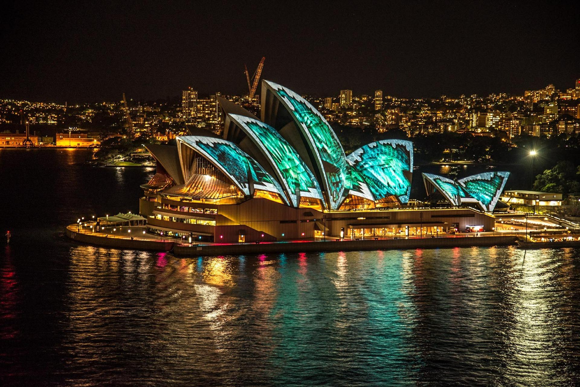 Sydney Opera by intern